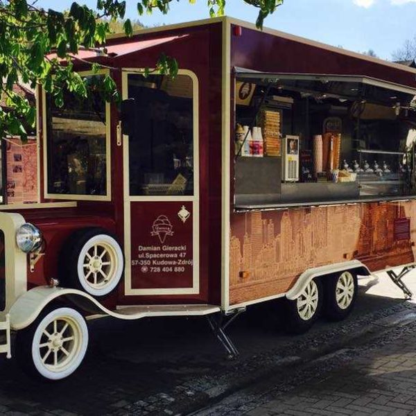 13076832 2024579984432968 6035393212352557875 n 600x600 - Old style food truck, restored